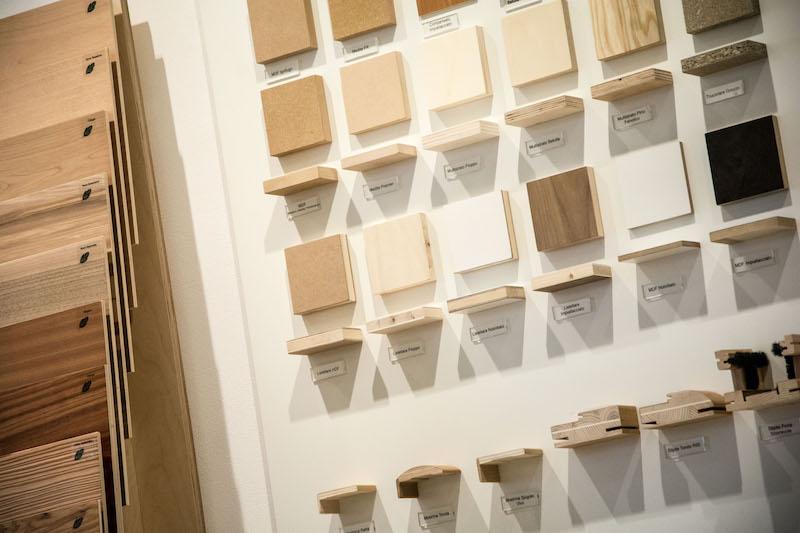 Foto Esposizione Finiture Del Legno Nello Showroom In Sicilia