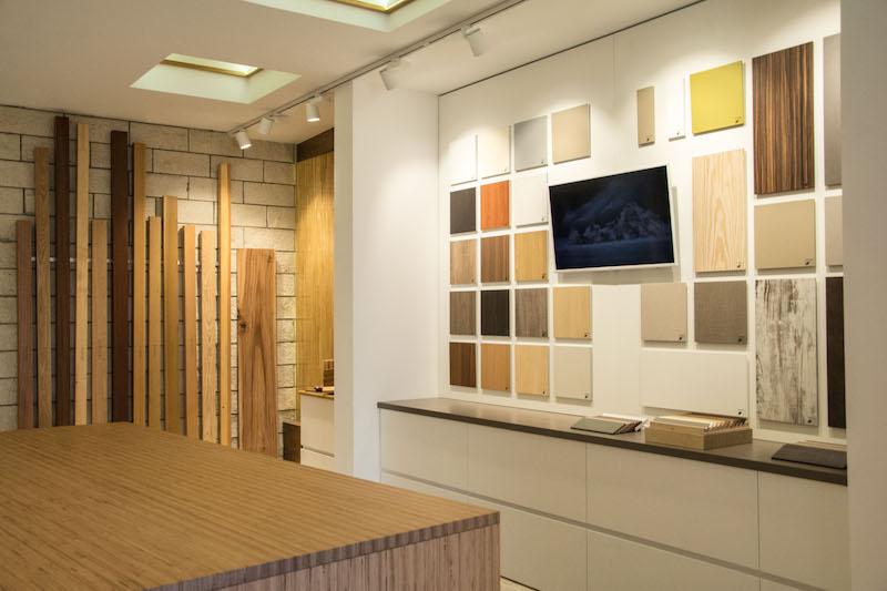 Foto Esposizione Truciolati Nello Showroom In Sicilia